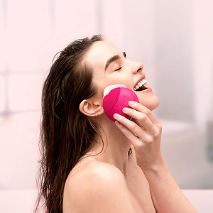 FOREO LUNA mini Silicone Face Brush 50% OFF