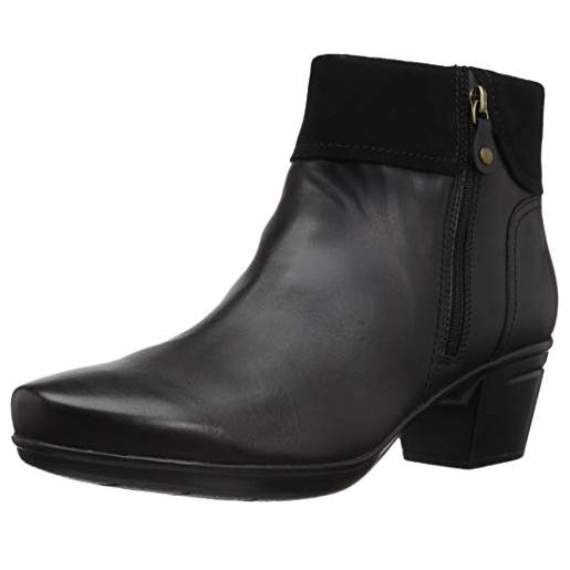 Clarks 女士时尚皮质短靴 码全 $55.98 免运费