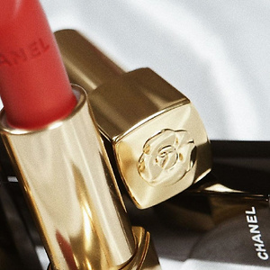 CHANEL ROUGE ALLURE VELVET LUMINOUS MATTE LIP COLOR #607