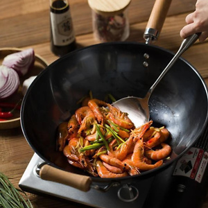 """Chinese Fine Iron Rust-proof Anti-Scratch Wok, Lid Included - (Size 11.8""""/12.9"""")"""