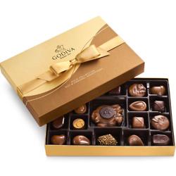 Nut and Caramel Gift Box, Gold Ribbon, 19 pc.