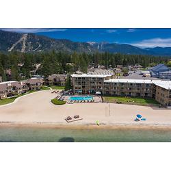 Tahoe Lakeshore 温泉旅馆