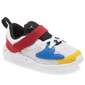 Nordstrom:up to 60% off on children's shoes