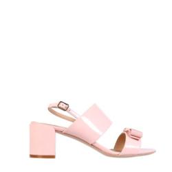 Salvatore Ferragamo 真皮甜美凉鞋