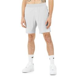灰色运动短裤