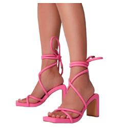 粉红高跟凉鞋