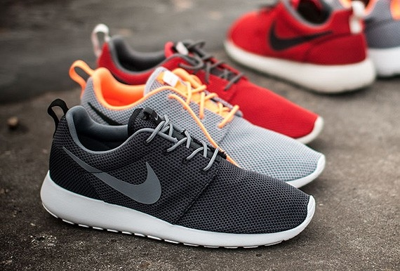 Nike Roshe Run Casual Shoes Up to $30 OFF