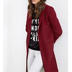 酒红色大衣