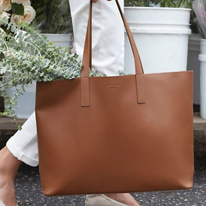 Everlane: Day Totes