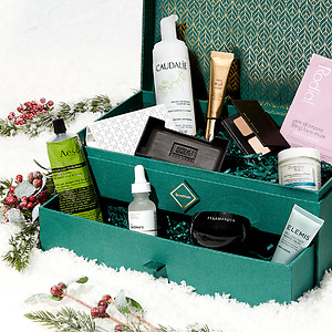 SkinStore.com:SkinStore Evergreen Holiday Collection (Worth $280) 34% OFF + Extra 10% OFF