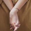 刻上你想说的话 Monica Vinader Havana 18ct多色友谊手链